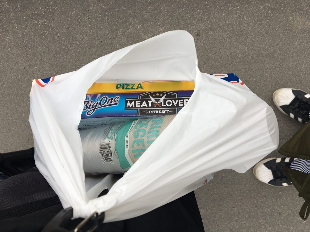 Plastkopper og Grandis innkjøpt.